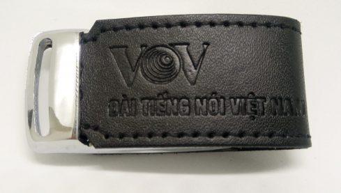 Chiếc USB chứa các bài hát do VOV thực hiện được các đại biểu đánh giá cao